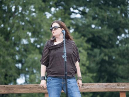 Michelle Sundholm Voice Over Artist Singing Photo11