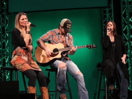 Michelle Sundholm Voice Over Artist Singing Photo5