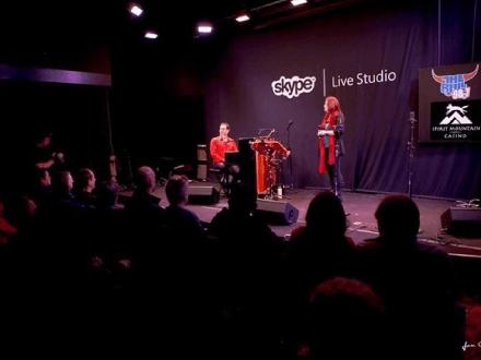 Michelle Sundholm Voice Over Artist Singing Photo8